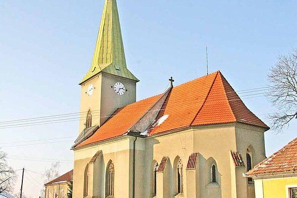 600px-Kostel_v_Kuněticích1
